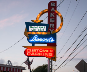 photo credit: leonard's bakery ---> a must visit if you're in honolulu