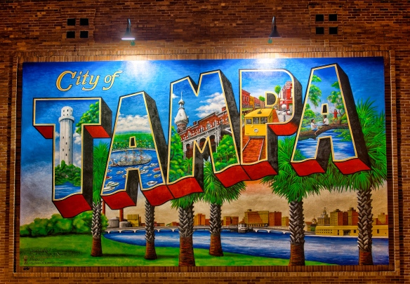 Tampa-Mural-at-Night