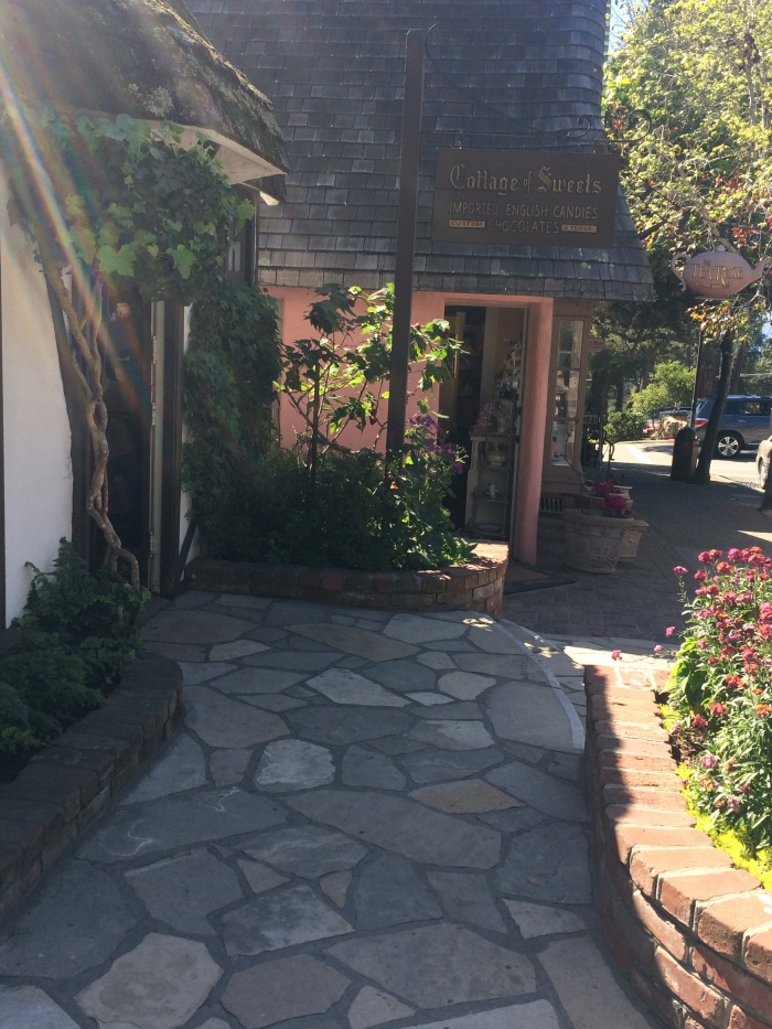 cottage of sweets - carmel | photo taken by passports & visa